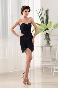 Sweetheart Mini-Length Ruched Black Graduation Dress with Flower in Arrochar
