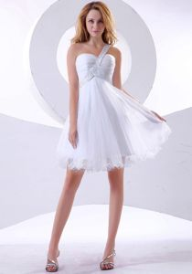 Asymmetrical Shoulder Short-Length Ruched White Graduation Dress in Rothesay