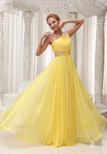 One-Shoulder Ruched Floor-Length Yellow Graduation Dress in Perth