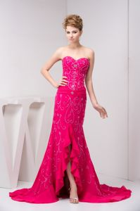 Sweetheart Beaded Flouncing College Graduation Dress in Fuchsia