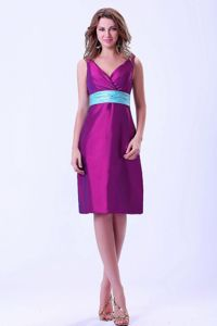 V-Neck Knee-Length Purple School Party Dress with Blue Belt in Contin