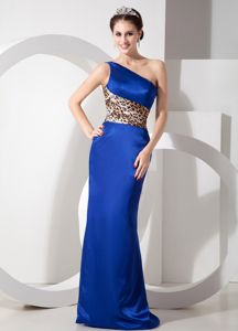 Exclusive One Shoulder Brush Train 5th Grade Graduation Dresses in Blue in Catlin