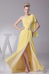 Light Yellow One Shoulder and High Silt College Graduation Dress in Carol Stream