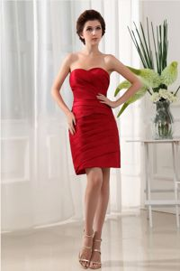 Ruched Wine Red Strapless Mini-length College Graduation Dresses in Northlake