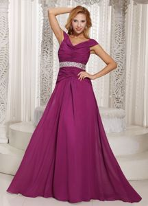 Off The Shoulder Brush Train Fuchsia Graduation Dresses for Girls with Ruching