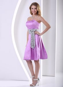 A-line Knee-length Cute Graduation Dresses in Lavender with Sequins and Sash