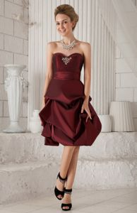 Knee-length Burgundy Graduation Dresses for Juniors with Pick-ups