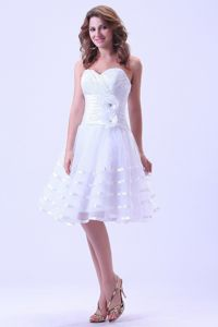 Sweetheart Ruched Wedding Dresses in White with Knee-length in Oxford