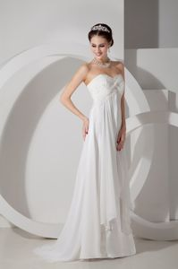 Popular Sweetheart College Graduation Dresses with Brush Train in White