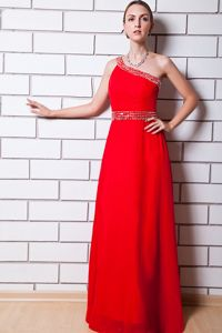 Red One Shoulder Empire Floor-length Graduation Dress for Middle School