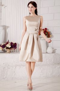 Modest Champagne Bateau Knee-length Prom Dress for Graduation in Macon