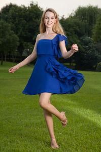 Cute One Shoulder Blue Ruffled Mini Graduation Dresses for 5th Grade