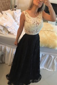 New Arrival Lace Scoop Sleeveless Side Zipper Beading and Lace Quinceanera Gowns in White And Black