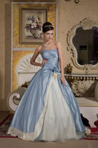 Light Blue Sweetheart Beaded Senior Graduation Dress in Double Springs